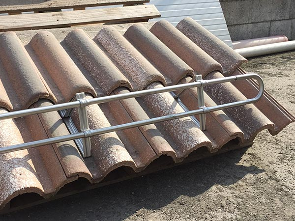 Installazione-frangineve-tetto-casa-Parma