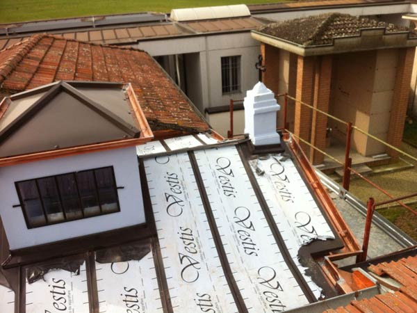 Coibentazione-copertura-per-risparmio-energetico-Collecchio