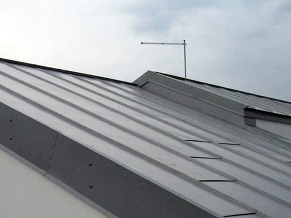un-tetto-in-metallo